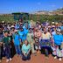 Voluntários cristãos ajudam agricultores de Samaria na colheita da uva