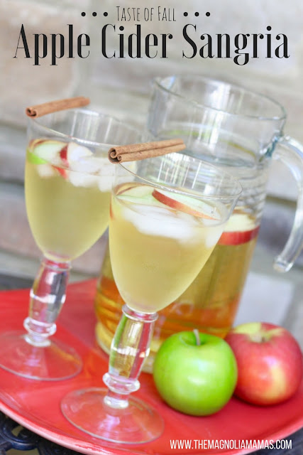 Apple Cider Sangria Recipe. The yummiest cocktail recipe for fall!