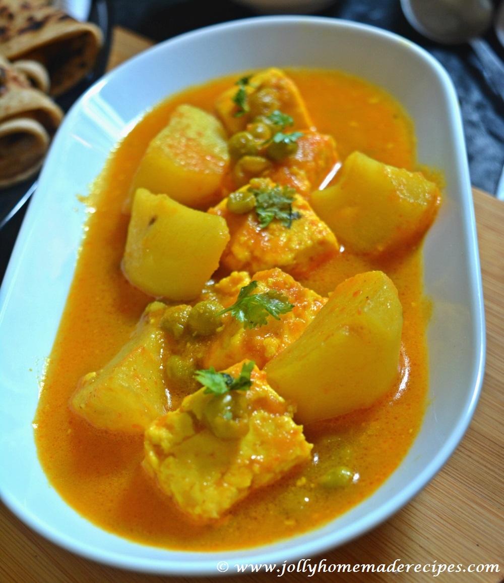 recipe: aloo matar paneer (simmered potatoes with peas and paneer) [30]
