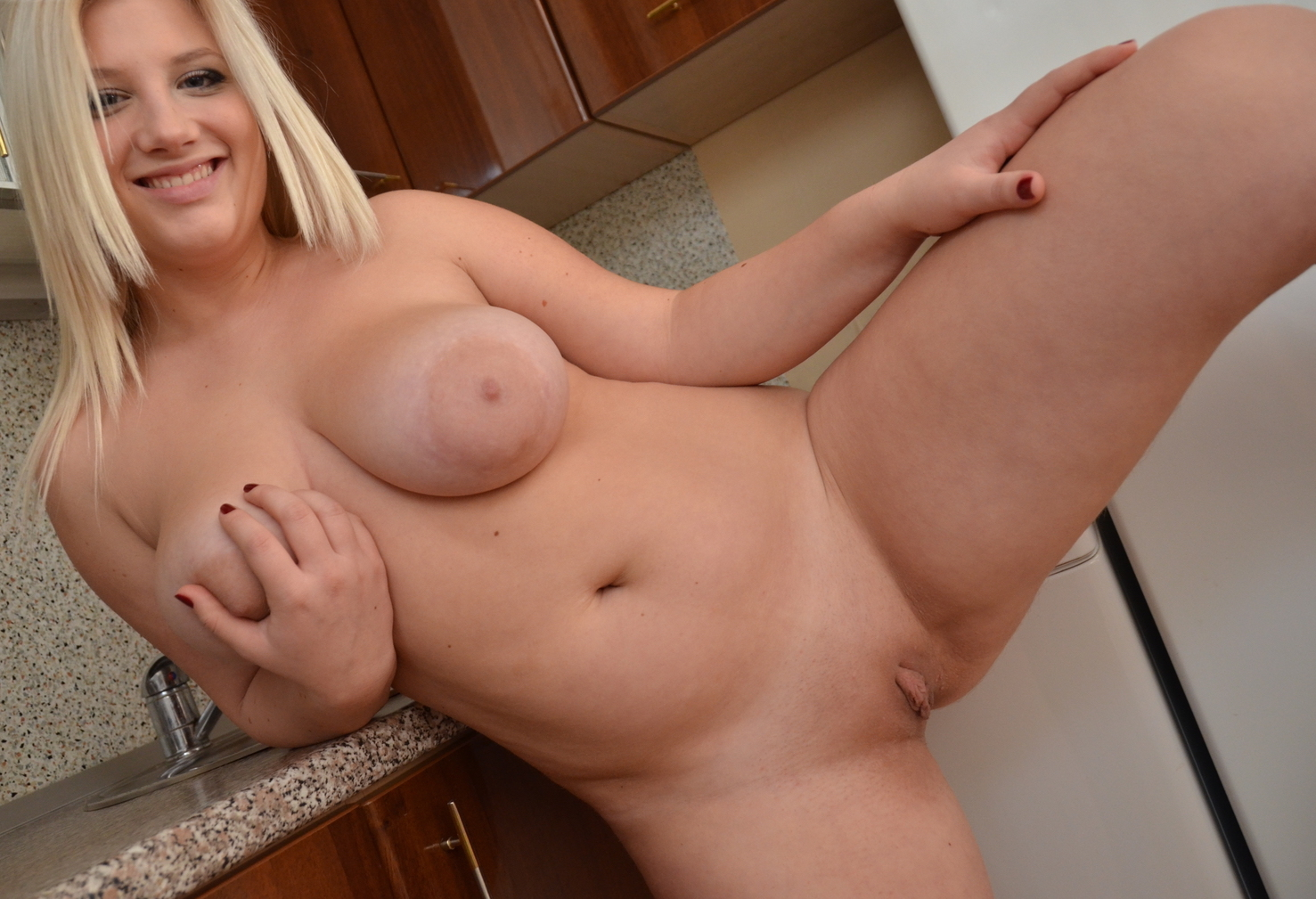 Super sexy blonde BBW talks dirty about her first anal fuck