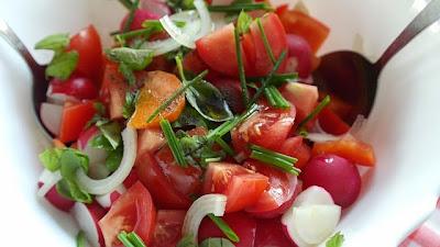aliñar ensalada sin añadir calorias de más en la cocina de la abuela