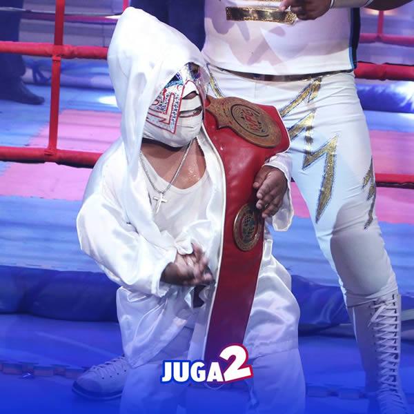 Cresencio Choque, el luchador más pequeño del mundo