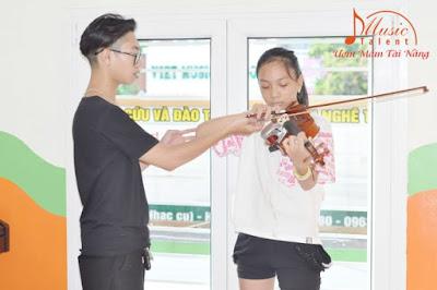 Các tư thế và động tác cần biết khi chơi đàn Violin