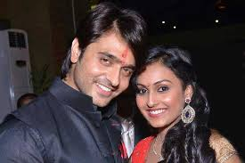 Ashish Sharma Family Wife Son Daughter Father Mother Age Height Biography Profile Wedding Photos