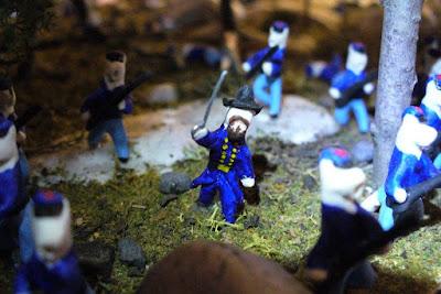 Photo of Capt. Spear figure, Little Round Top diorama, Civil War Tails Diorama Museum, Gettysburg, PA