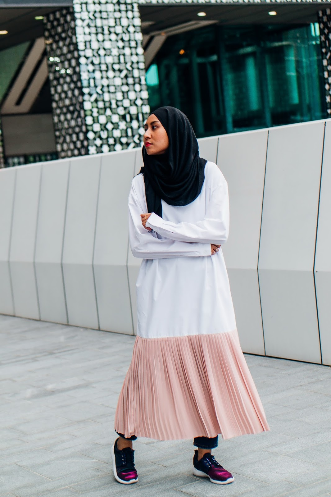 Dress Over Jeans and Millennial Pink Trends