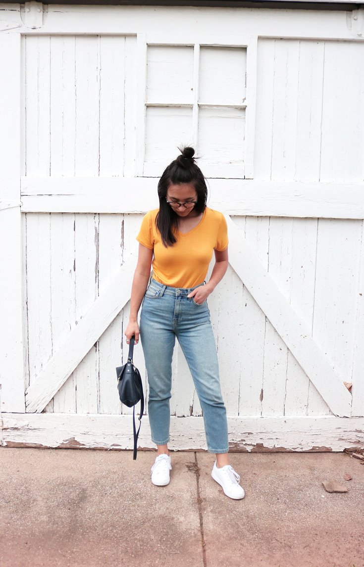 Yellow t-shirt, blue mom jeans, white sneakers, spring, outfit