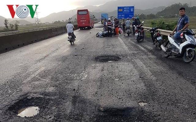 Hiện trường nạn nhân tử vong do sụp ổ gà trên Quốc lộ 1A