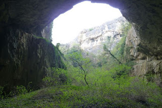 Bulgaria, Cueva Devetashka.