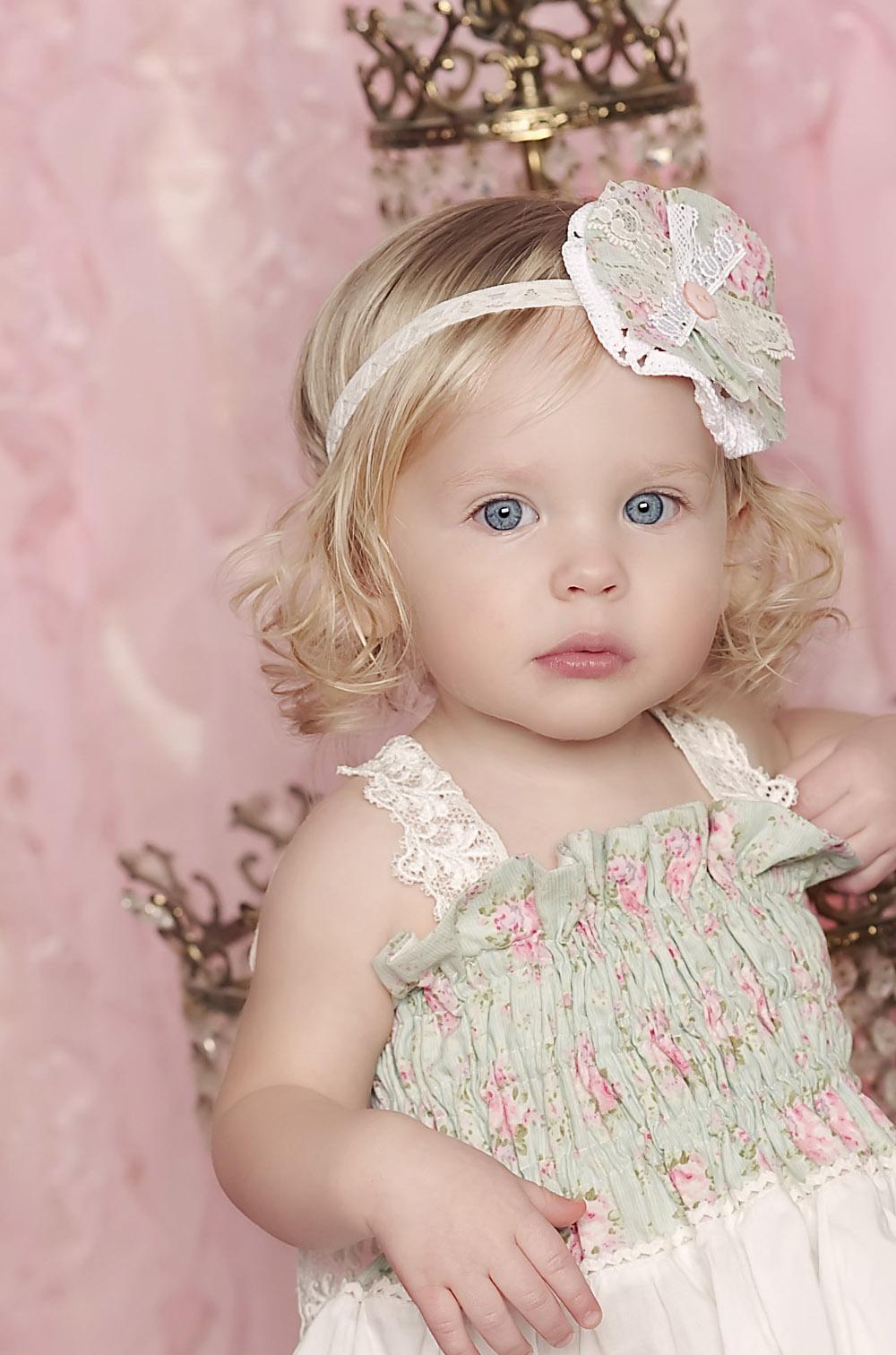 97dfc8386d3 Τα ρούχα, αυτά, για κοριτσάκια και αγοράκια είναι, πραγματικά, βγαλμένα από  παραμύθι. Χαρούμενα, γεμάτα χρώματα και μυρίζουν Άνοιξη!
