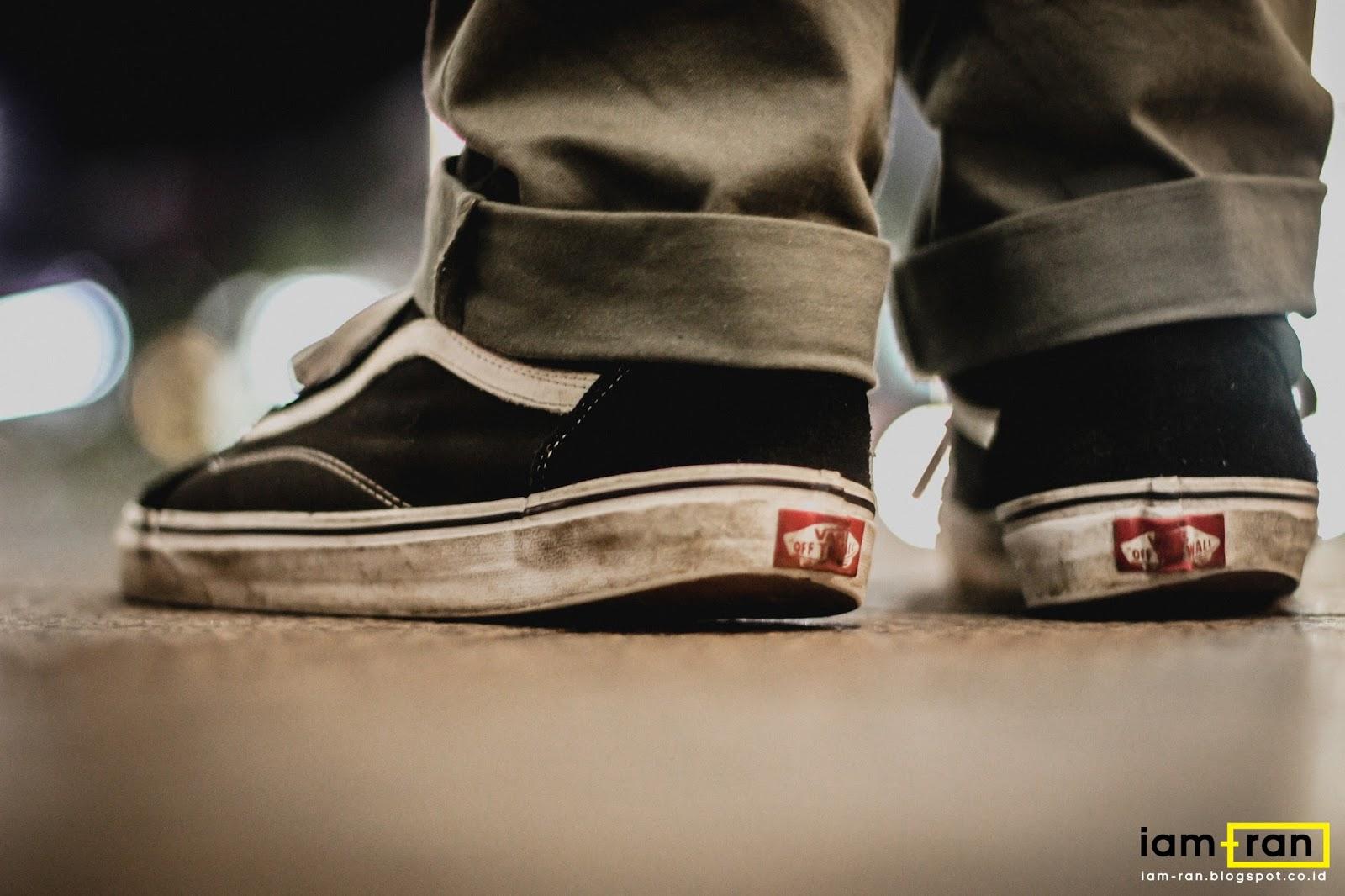 4f32bae068 Vans Old Skool On Feet