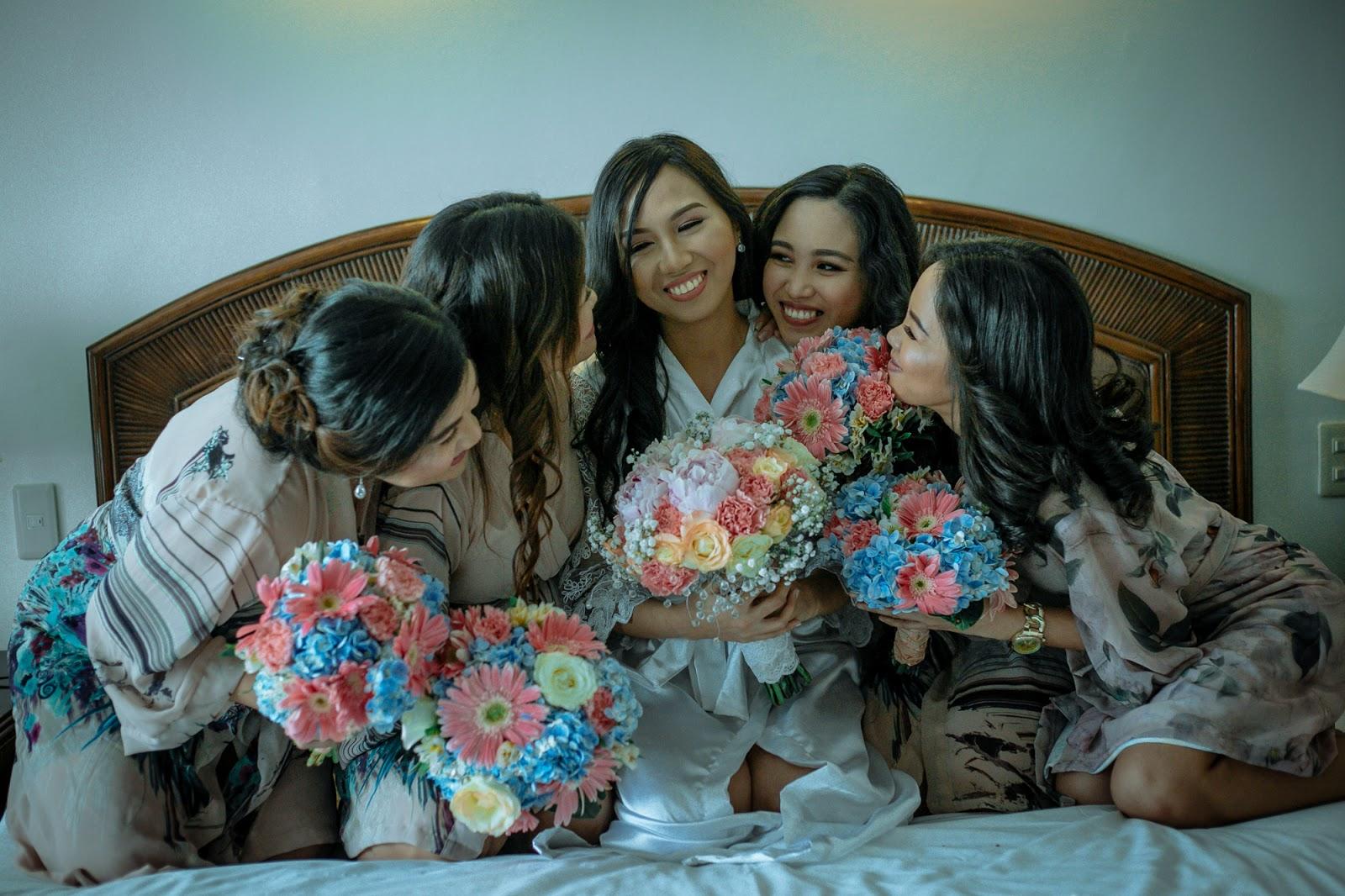 wedding robes, bridesmaids and maid of honor