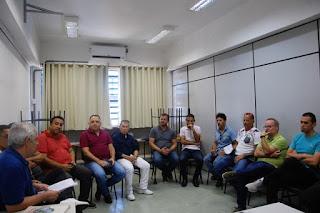 Vereadores entregam abaixo-assinado contra o fechamento da Unesp em Registro-SP