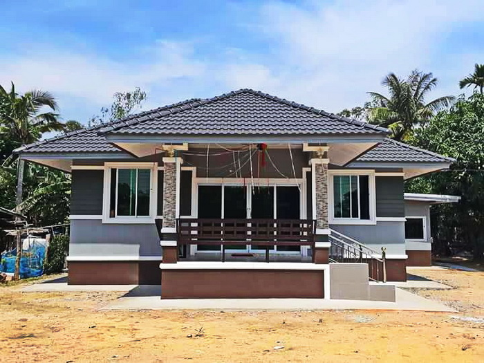 Are you planning to build a Bungalow house design? Is this design your dream house? If yes then you have to see five beautiful bungalow house design in this article before building your own. One of these houses may inspire you and change your design into something more better.