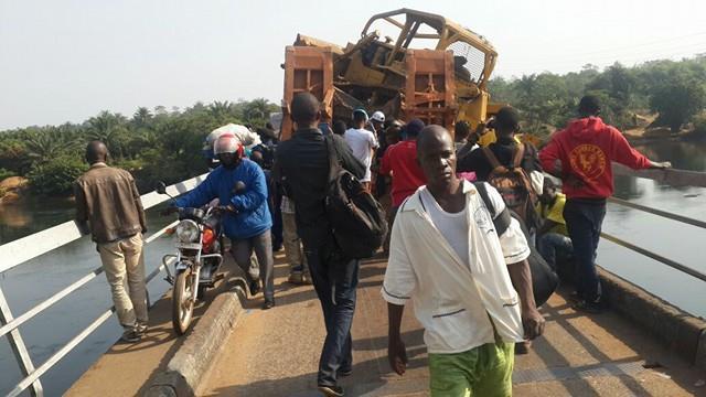 Sierra Leone News Truck Carrying Road Maintenance Machine Blocks Gbere Bridge