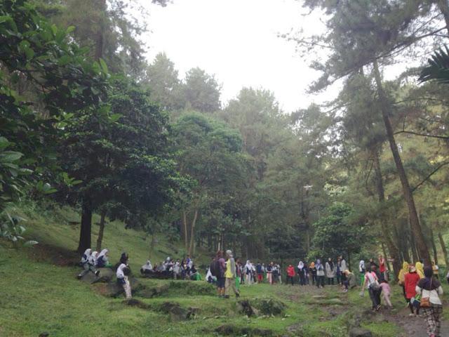 jarak highland park resort ke curug nangka