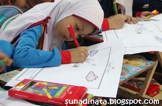 Contoh Soal Ulangan Harian Kelas 2 Bahasa sunda Semester 1