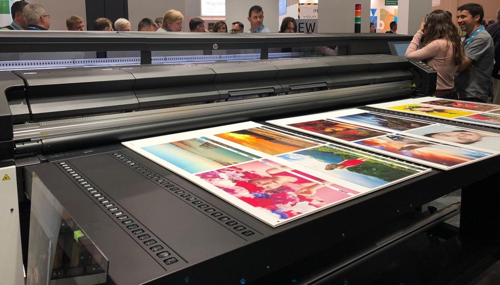 Blog del Reciclador (Blog de la Guía del Reciclador): La nueva HP Latex  R2000 combina la tecnología de impresión rígida HP Latex con la tinta  blanca de HP Latex