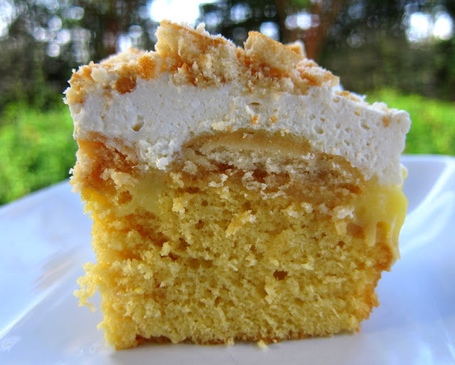 Banana Pudding Poke Cake With Heavy Whip Cream