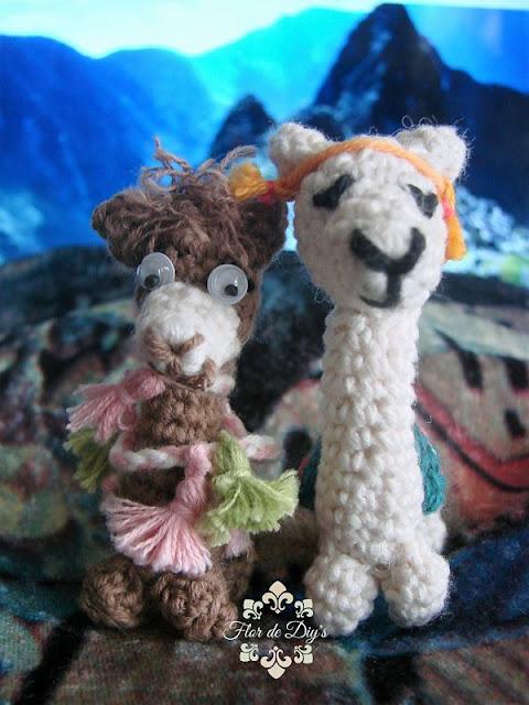 amigurimis-de-llama-y-alpaca-vista-delantera-flor-de-diys
