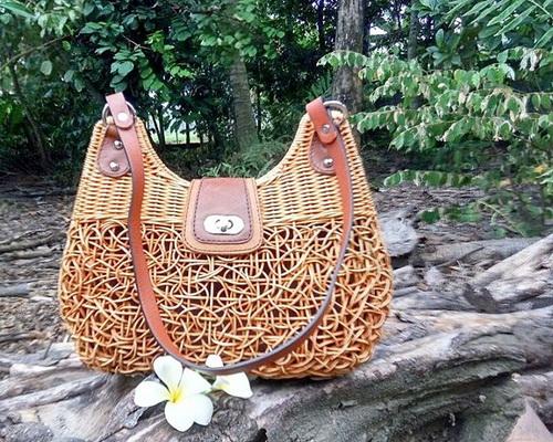 www.Tinuku.com Manggar Natural studio design luxury handbag using rattan to expose passive texture and spontaneous decopage