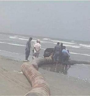 اكتشاف انبوب لتهريب النفط في سواحل شبوه .