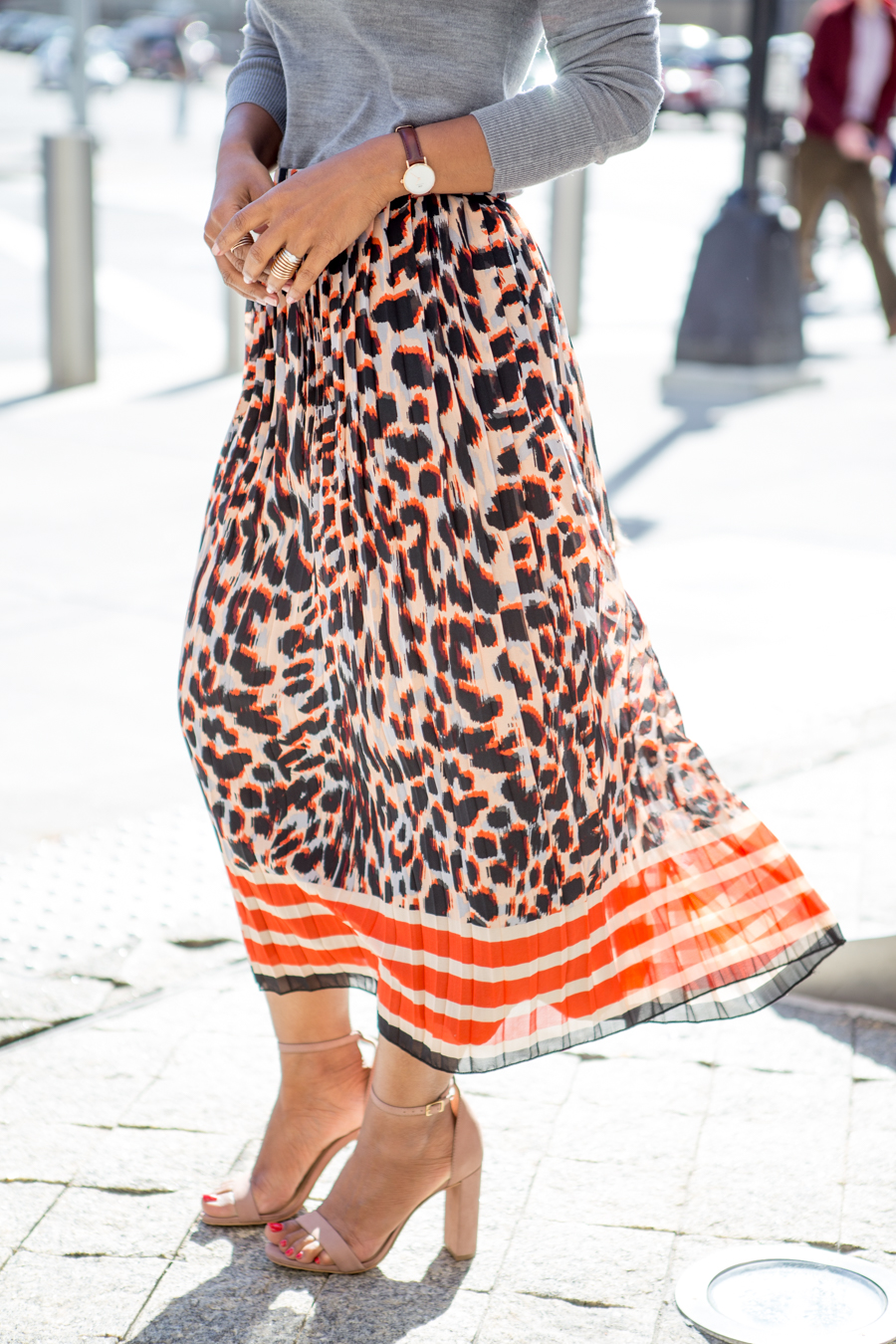 fall fashion, wardrobe essential, fall classics, banana republic, petite fashion, pleated midi skirt, faux fur, block heel, fall lookbook, petite style, office style, work style, corporate chic, colorful, neutrals, new york fashion week, fall fashion trends