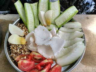 Ridge gourd, Ash gourd, Dew gram sprouts, Coconut sprouts, Coconut, Tomato