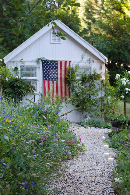 Simple 4th of July decorating