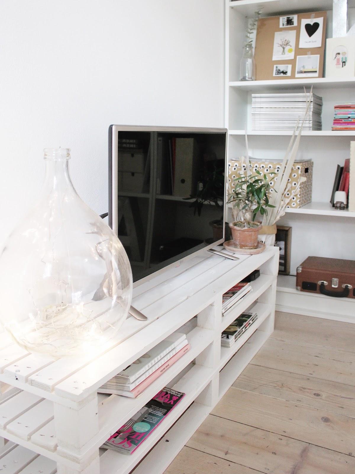 Bar Arredati Con Pallet pallet tv stand: the big reveal | la tazzina blu | bloglovin'