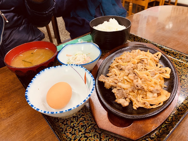 桂月食事處-生蛋牛肉定時