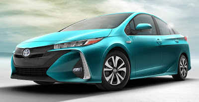 2017 Toyota Prius Prime side view image