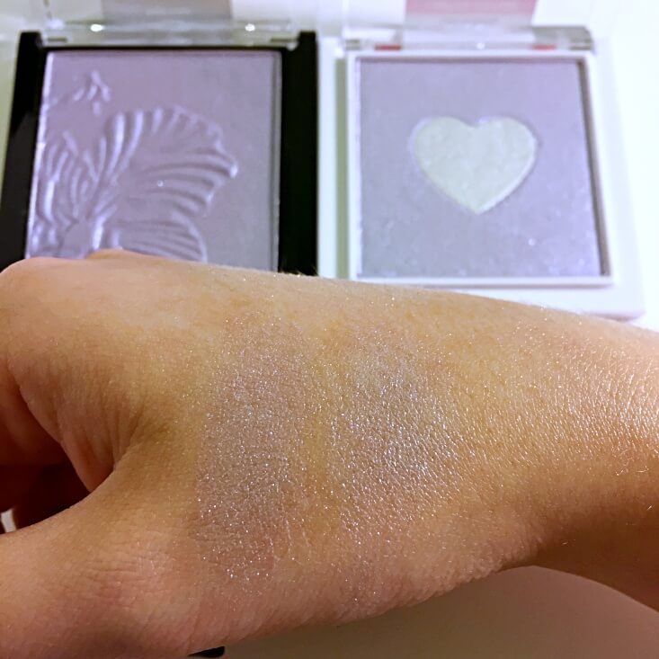 wet n wild megaglo Highlighting Powder Royal Calyx vs Lilac to Reality swatches
