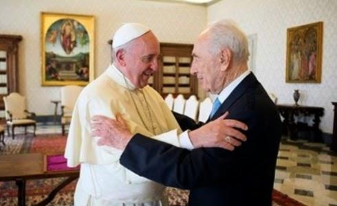 Papa Francisco y Simón Peres