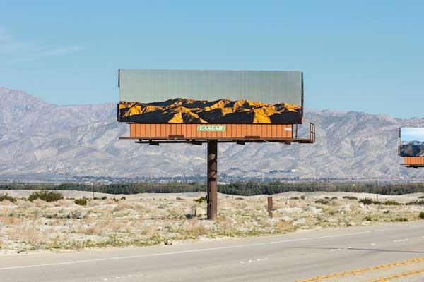 Desain Iklan Billboard Unik Menyatu Dengan Alam Desain Iklan Billboard Unik Menyatu Dengan Alam