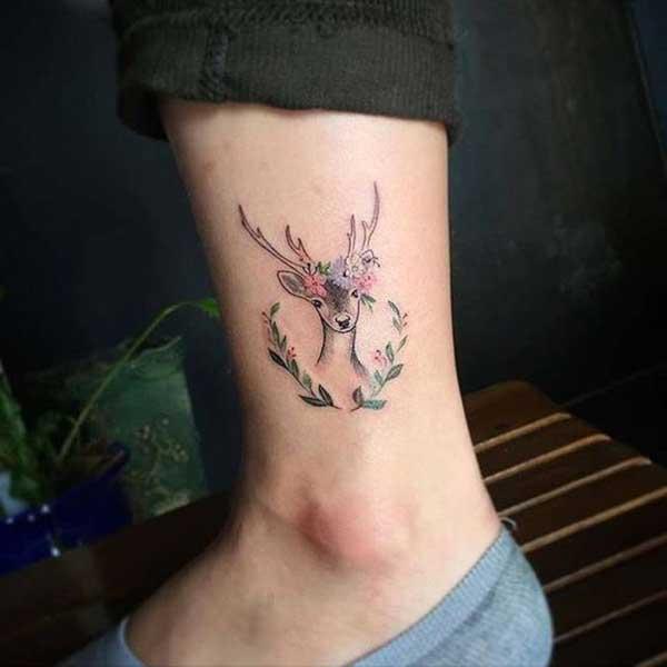 ayak bileği geyik dövmesi
