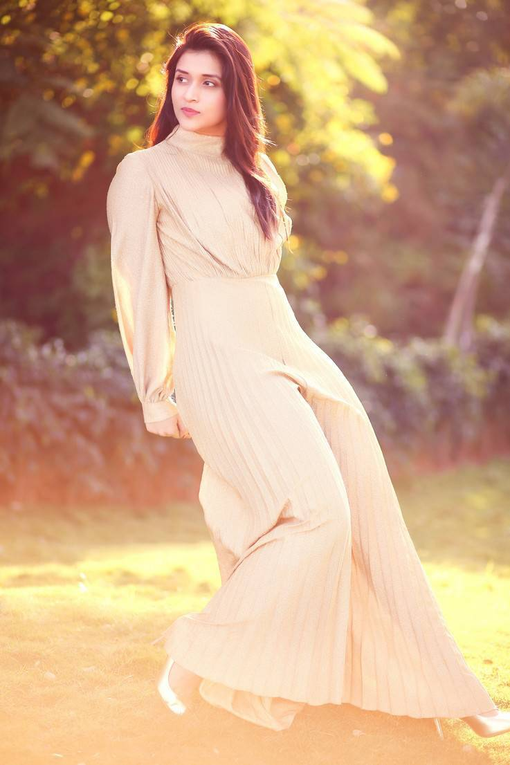 Mannara Chopra In Cream Colour Dress Photoshoot