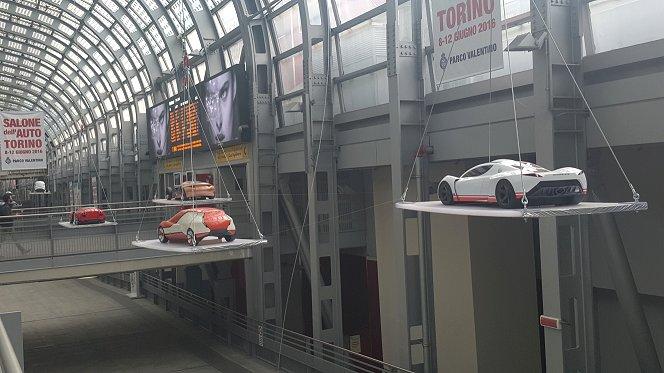 Angoli di torino l 39 auto alla stazione di porta susa - Orari treni milano torino porta susa ...