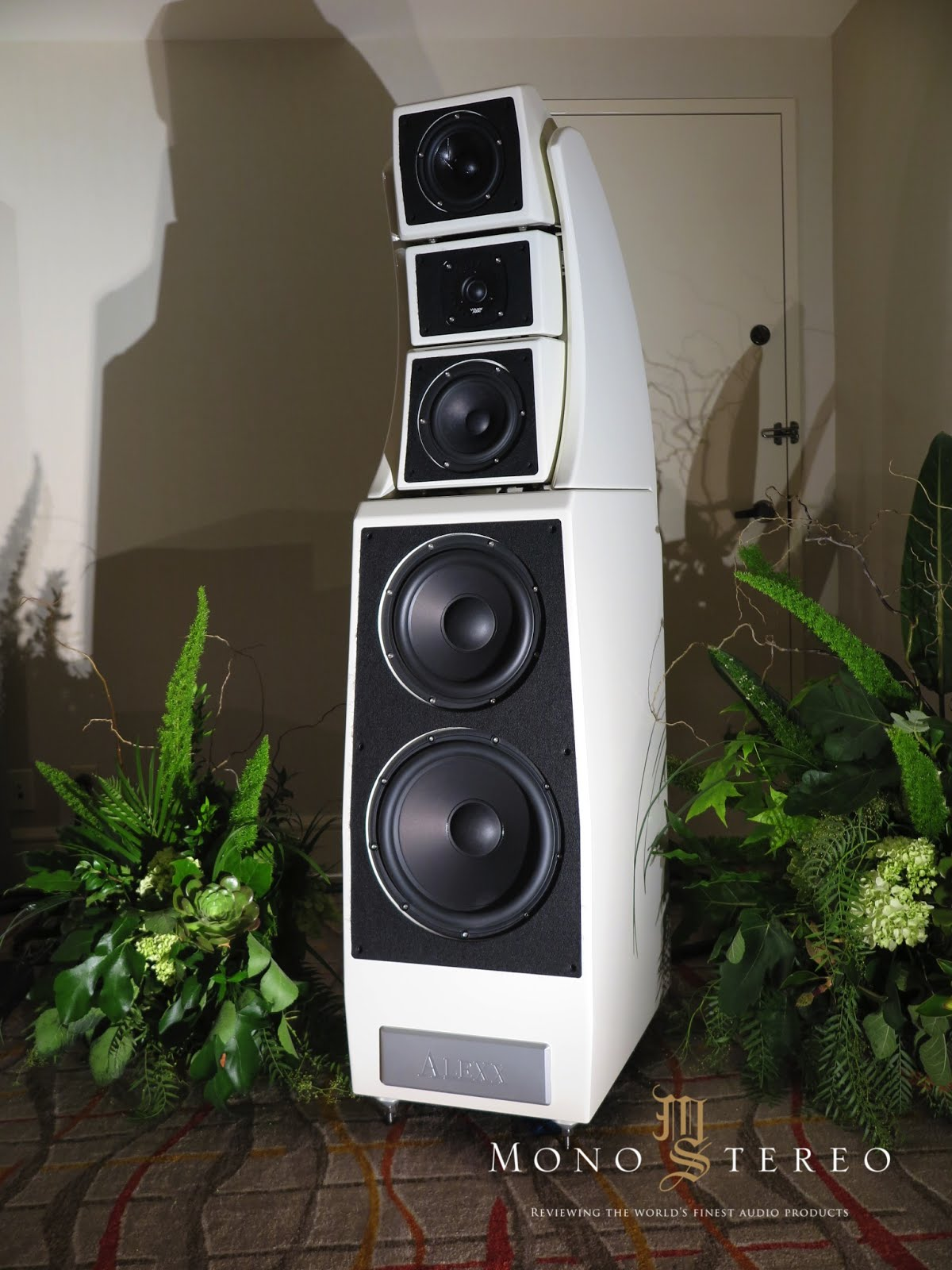 Mono And Stereo High End Audio Magazine T H E Show