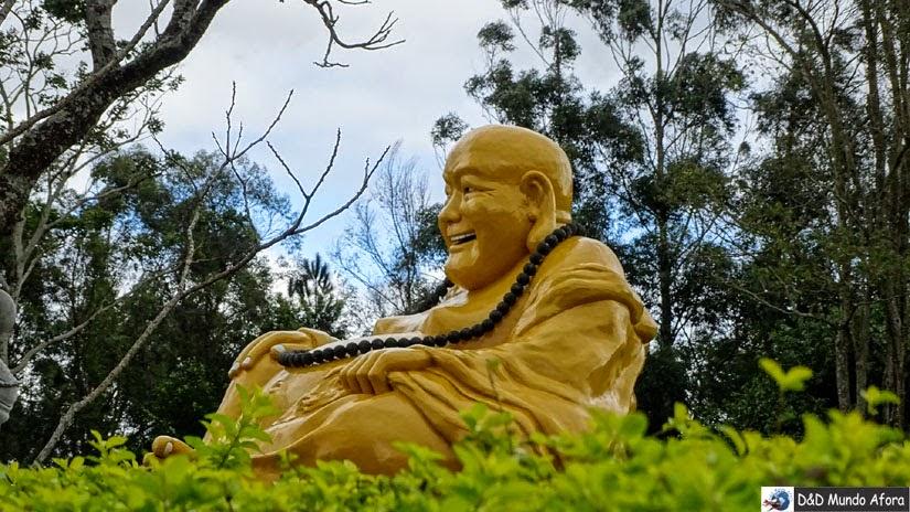 Templo Budista de Foz do Iguaçu: como visitar -  Buda sorridente do Templo Budista