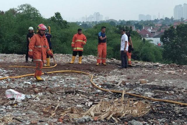 Sudah 5 Bulan Asap Berbau Busuk Keluar Dari Tanah di Bintaro, Diduga Ini Penyebabnya