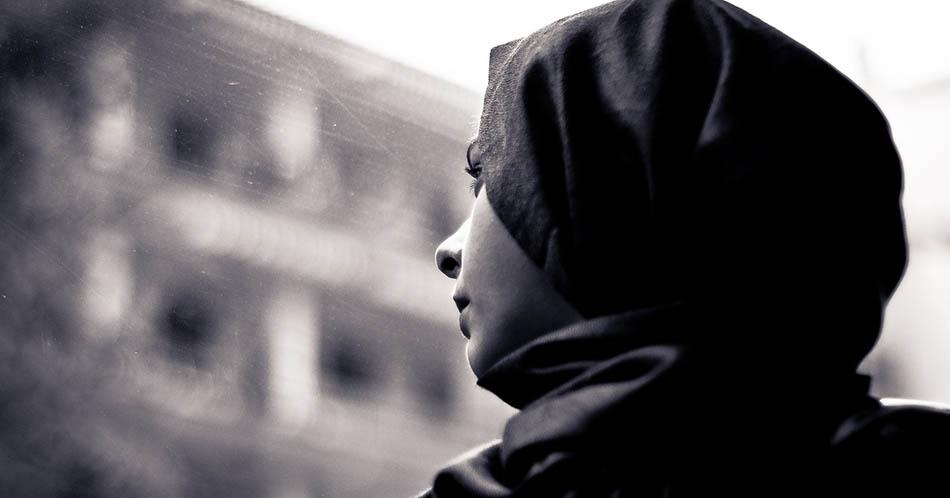Din baskısı, Dinden çıkış, Dinden çıkış hikayesi, İslamı terk etme nedenleri, İslamiyetten ayrılan kişilerin hikayeleri, sizden gelenler, Cemaat yurtları, Yurt ablaları, Tarikat yurtları,