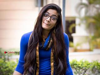 Kannada Actress Model Rashmika Mandanna Latest Po Gallery  0015.jpg