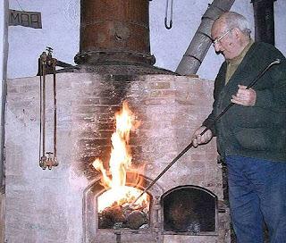 Julián Segarra Ortí, destilator, Xert, Chert, Maestrazgo