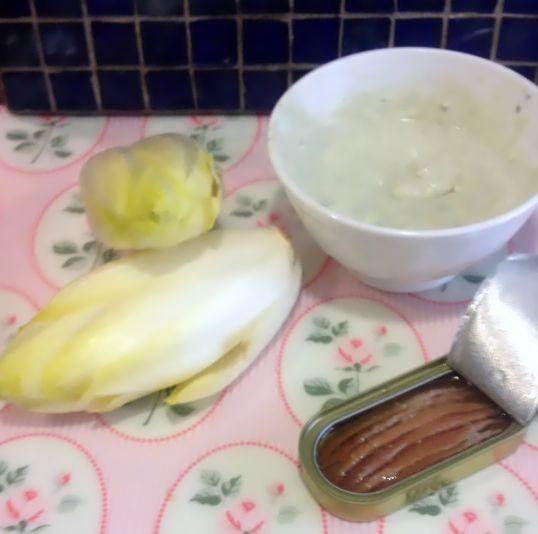 endivias con queso azul y anchoas