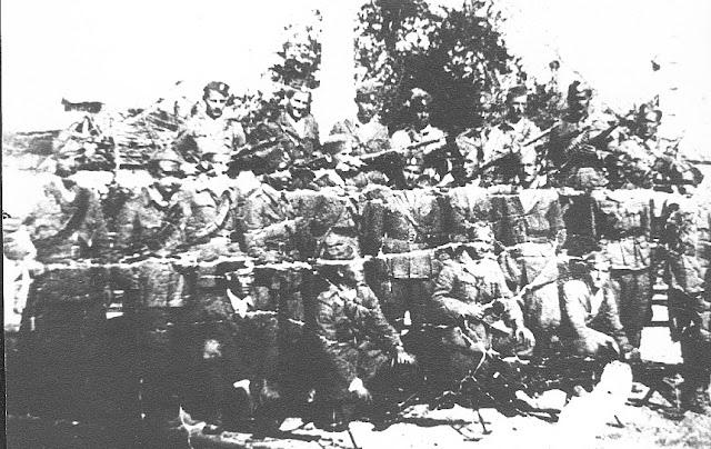 """Η ομάδα """"Αστραπή"""" με το διοικητή υπο/γο Δημήτρη Κυρατζόπουλο - Φωτεινό"""