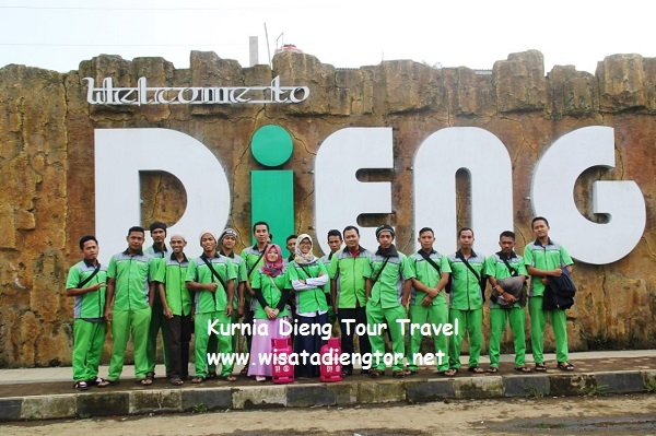 tugu welcome dieng