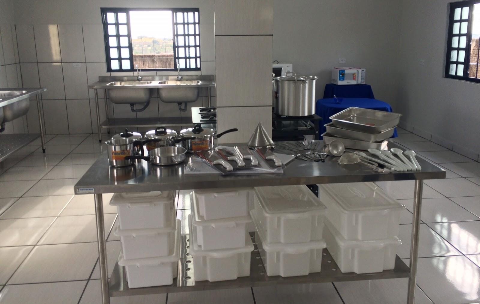 Mari De S Caesmi Inaugura Cozinha Industrial
