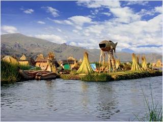 เกาะอูรอส (Uro Islands) / ทะเลสาบติติกากา (Lake Titicaca)