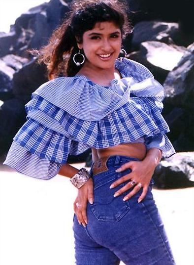 Anjala Zaveri Hot Thighs  Sexy Back Show Collection Pics -5556